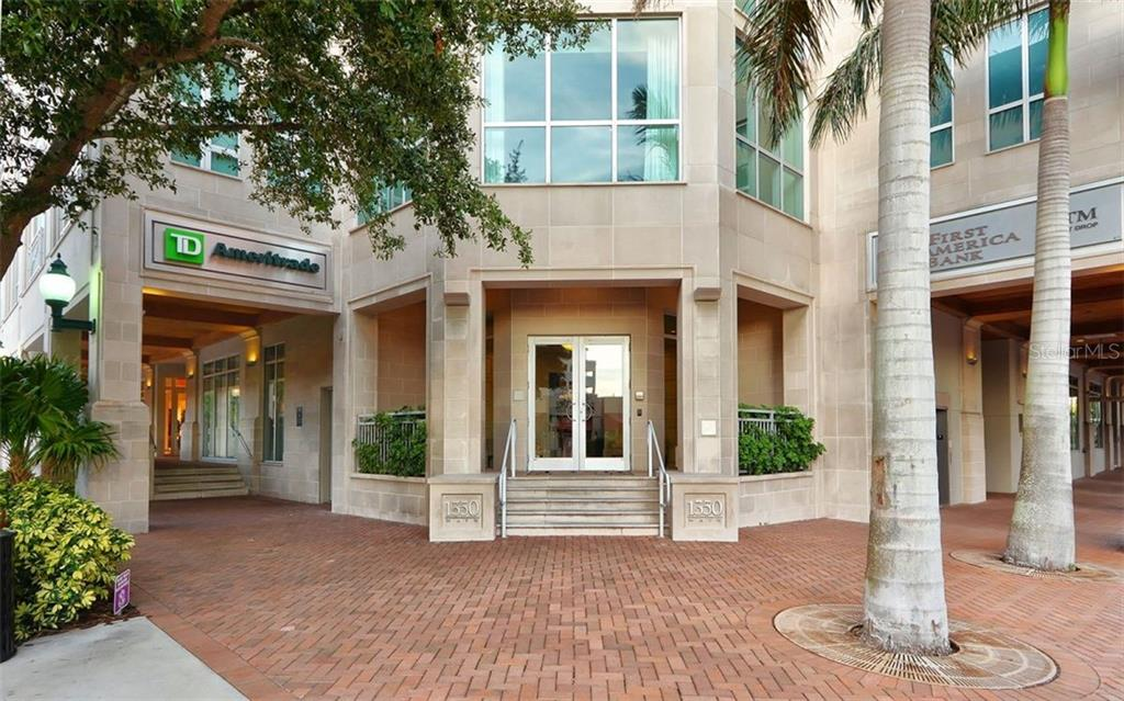 Enter the building at the corner of Main Street and Palm Avenue - Condo for sale at 1350 Main St #1500, Sarasota, FL 34236 - MLS Number is A4433444