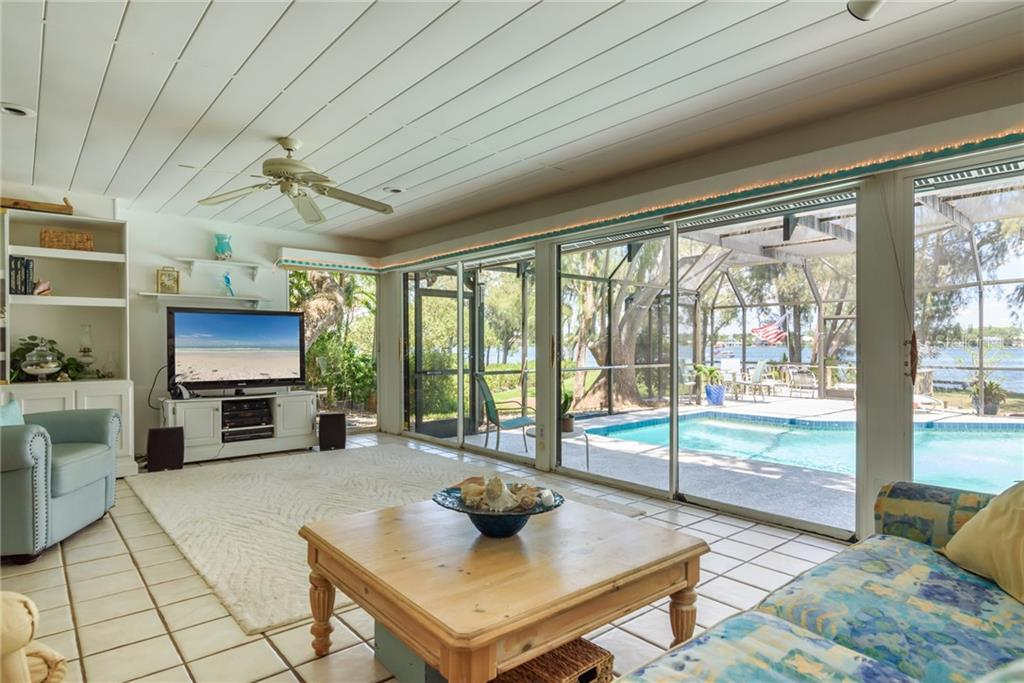 Single Family Home for sale at 6837 Peacock Rd, Sarasota, FL 34242 - MLS Number is A4435324