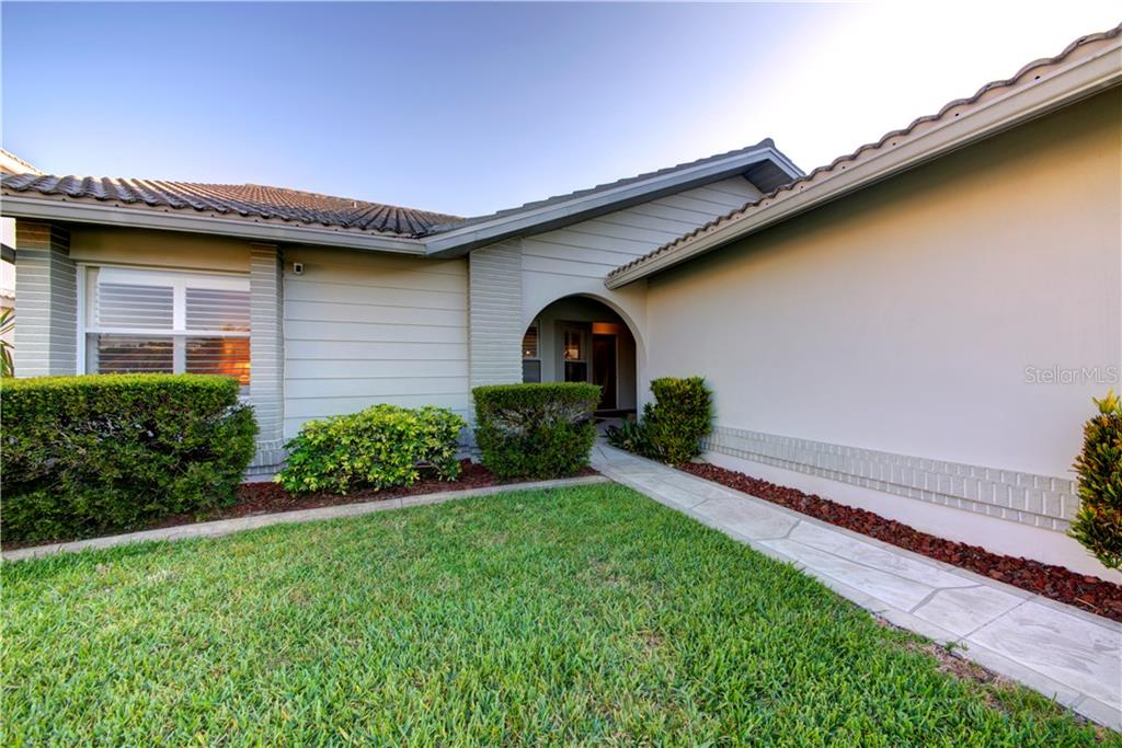 Single Family Home for sale at 5962 Rachele Dr, Sarasota, FL 34243 - MLS Number is A4436678