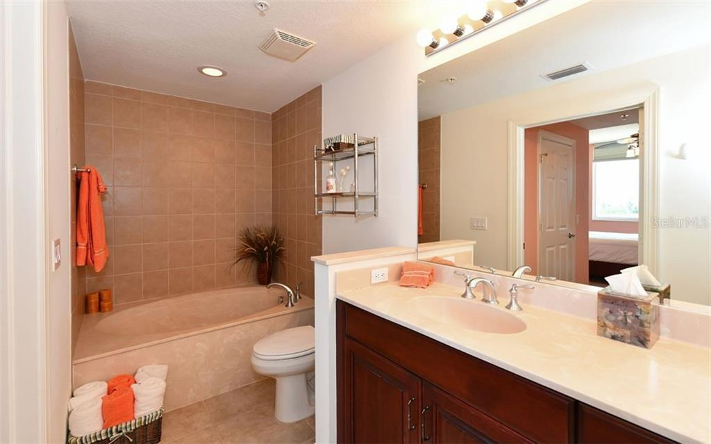 Master bath - Condo for sale at 800 N Tamiami Trl #602, Sarasota, FL 34236 - MLS Number is A4436915