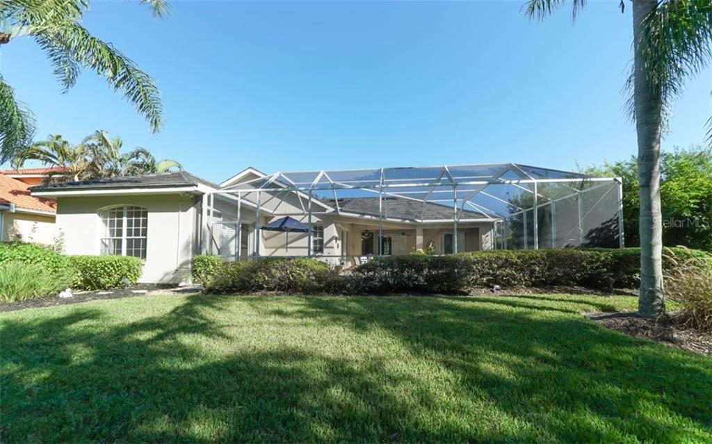 Single Family Home for sale at 4960 Sabal Lake Cir, Sarasota, FL 34238 - MLS Number is A4438177