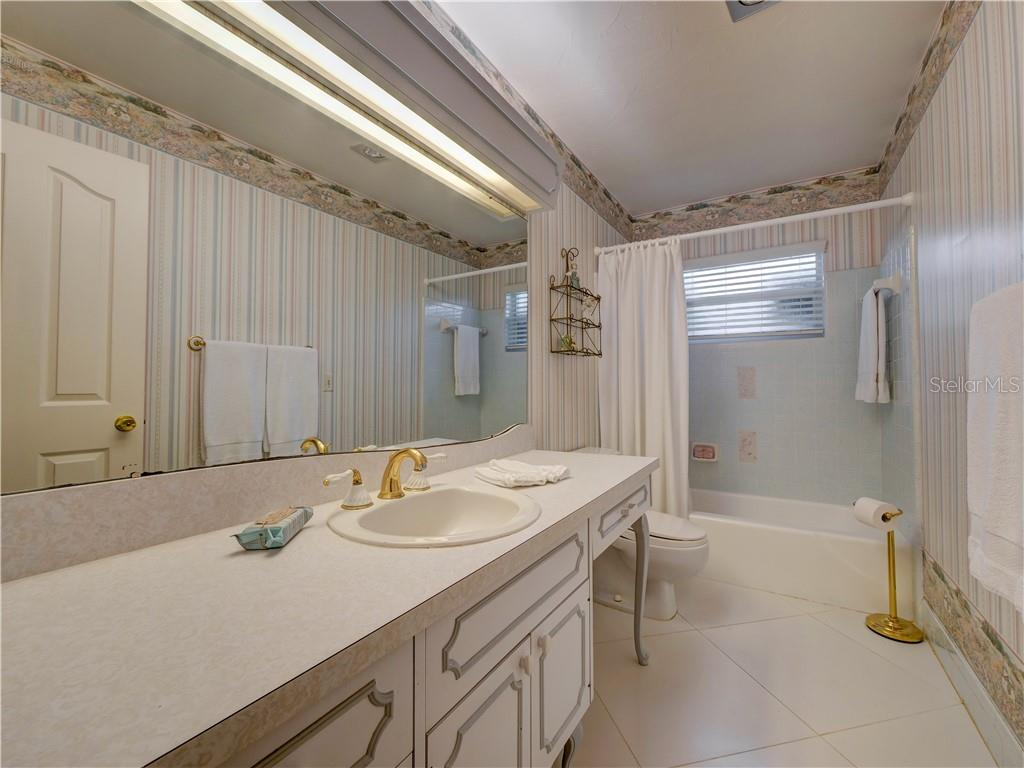 guest bathroom - Single Family Home for sale at 6605 Bluewater Ave, Sarasota, FL 34231 - MLS Number is A4440551
