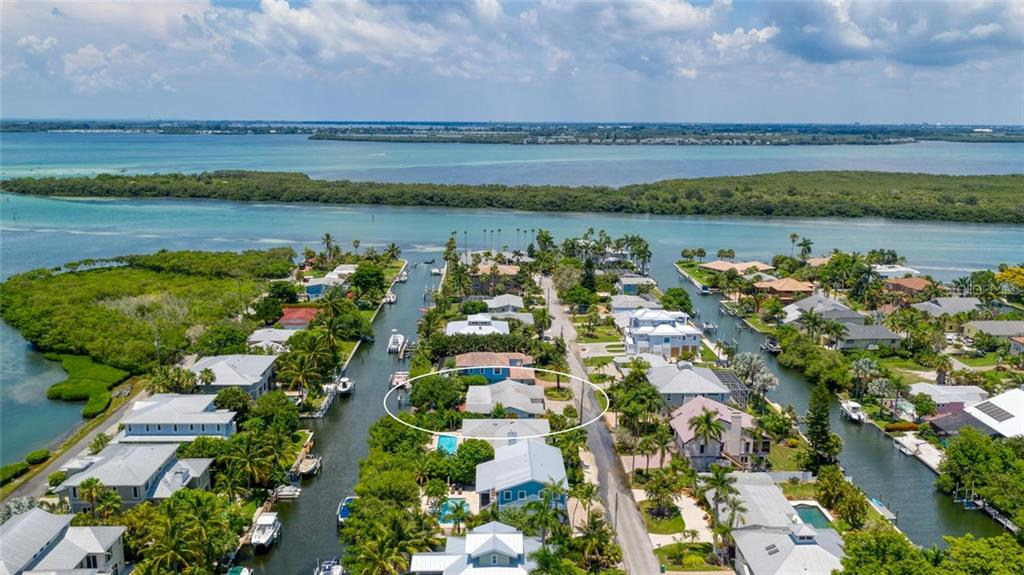 An added extra.....a fully done workshop for the handy-person in your life! - Single Family Home for sale at 701 Norton St, Longboat Key, FL 34228 - MLS Number is A4440596