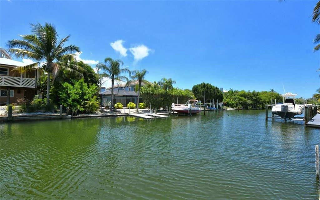 Single Family Home for sale at 718 Lyons Ln, Longboat Key, FL 34228 - MLS Number is A4440764