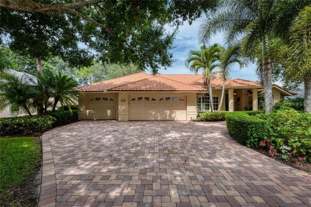 Single Family Home for sale at 4386 Indian Point Trl, Sarasota, FL 34238 - MLS Number is A4440935