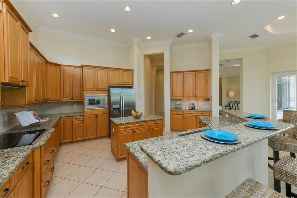 Single Family Home for sale at 9242 Mcdaniel Ln, Sarasota, FL 34240 - MLS Number is A4442686