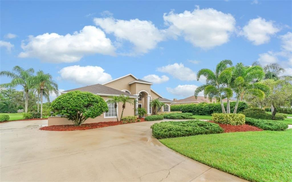 Single Family Home for sale at 6213 Glen Abbey Ln, Bradenton, FL 34202 - MLS Number is A4443089