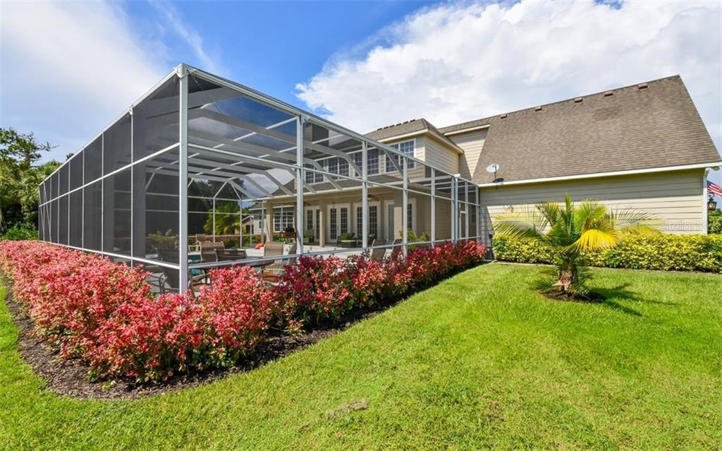 Single Family Home for sale at 530 Rye Rd Ne, Bradenton, FL 34212 - MLS Number is A4443778
