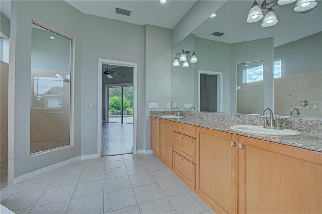 3rd Bedroom - Single Family Home for sale at 8309 Curlew Ct, Bradenton, FL 34202 - MLS Number is A4443898
