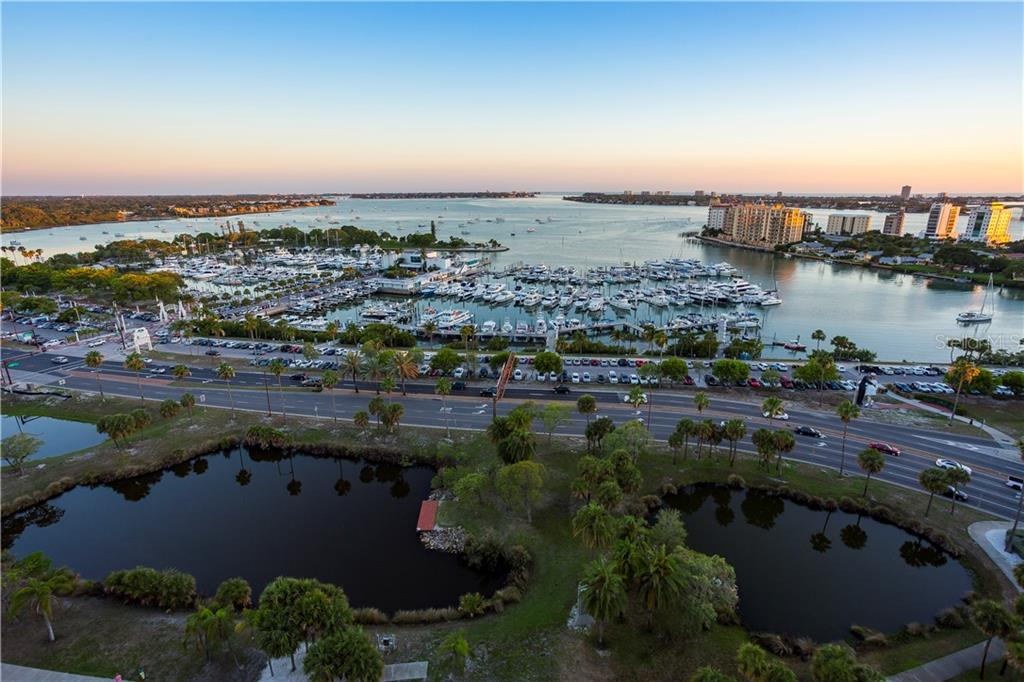 SARASOTA BAYFRONT - Single Family Home for sale at 1352 Harbor Dr, Sarasota, FL 34239 - MLS Number is A4447026