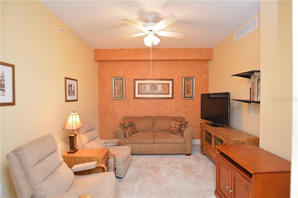 Den or Office - Condo for sale at 5304 Manorwood Dr #2b, Sarasota, FL 34235 - MLS Number is A4448585