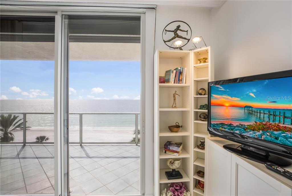 Third bedroom or den/office - direct gulf front. - Condo for sale at 1800 Benjamin Franklin Dr #b506, Sarasota, FL 34236 - MLS Number is A4451047