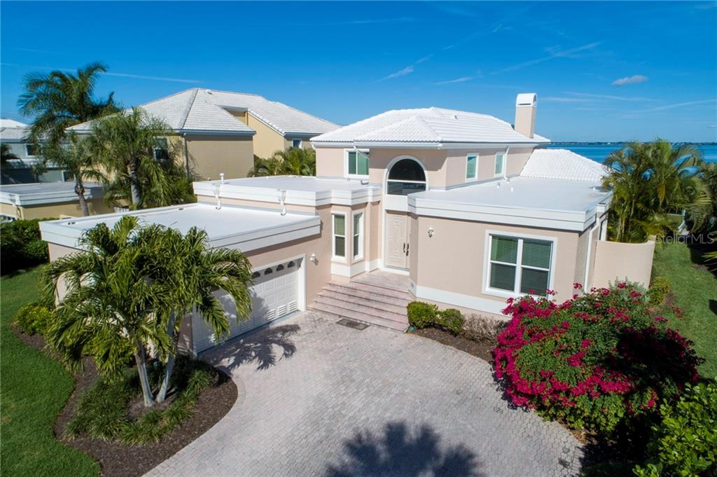 Single Family Home for sale at 3488 Mistletoe Ln, Longboat Key, FL 34228 - MLS Number is A4451910