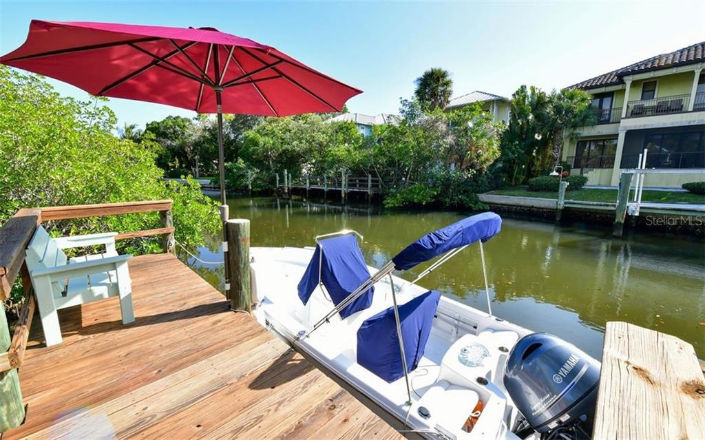 Only approx. 15 minutes boat ride to the Bay on Grand Canal - Single Family Home for sale at 623 Avenida Del Norte, Sarasota, FL 34242 - MLS Number is A4454692