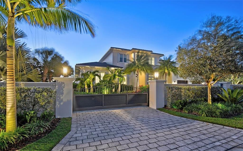 Single Family Home for sale at 450 Meadow Lark Dr, Sarasota, FL 34236 - MLS Number is A4455446
