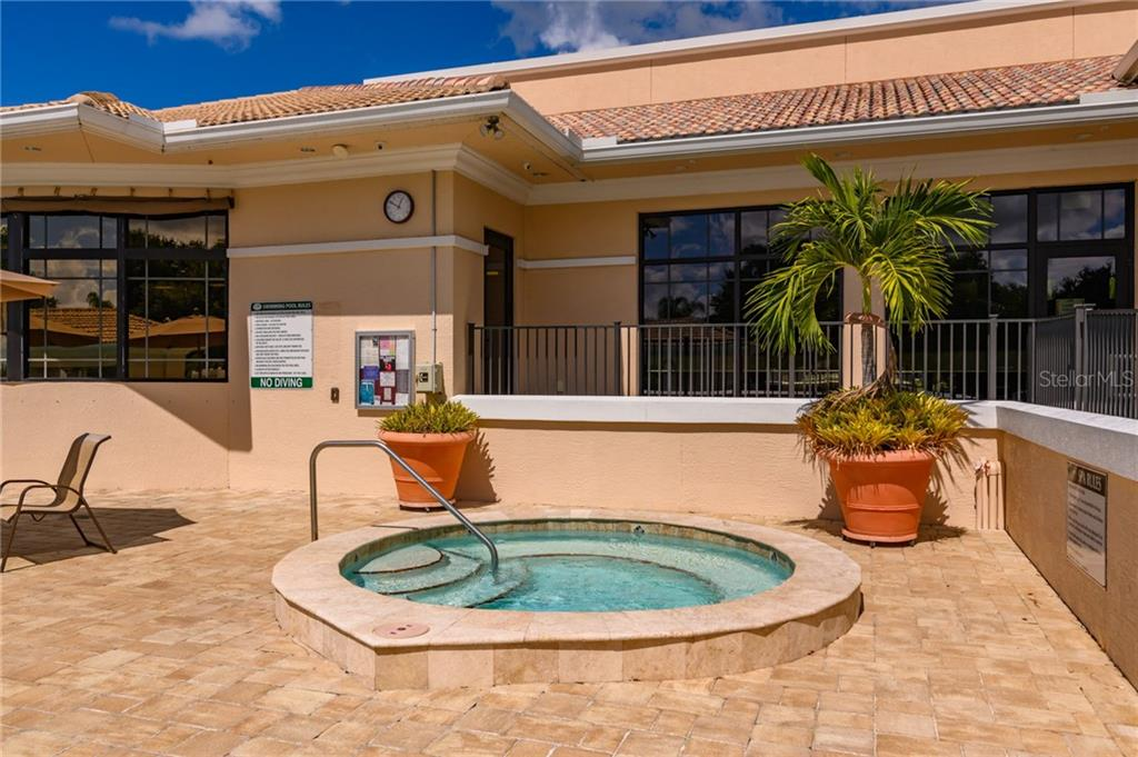 Community Hot Tub - Villa for sale at 4560 Samoset Dr, Sarasota, FL 34241 - MLS Number is A4455487