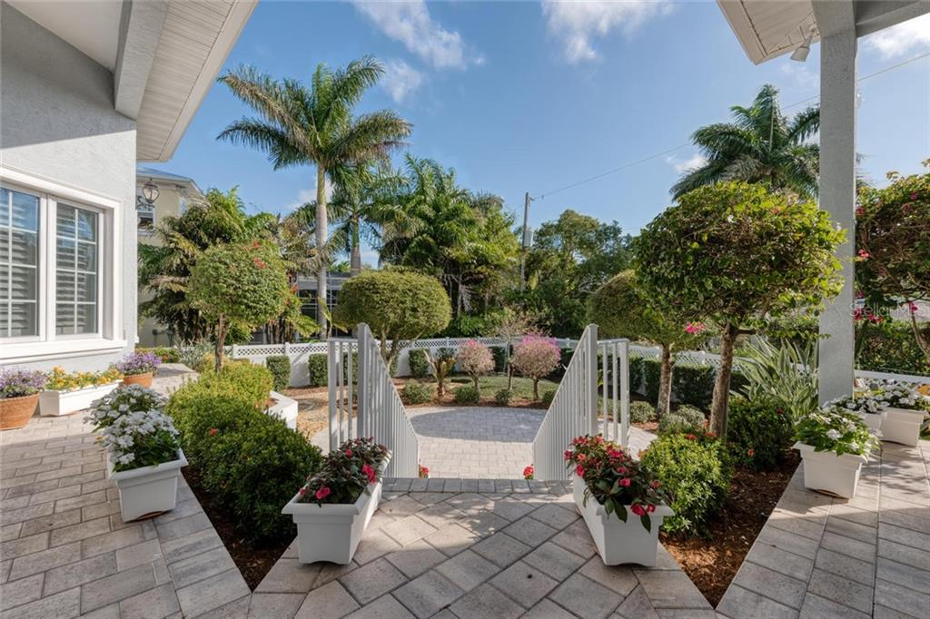 Single Family Home for sale at 1351 Harbor Dr, Sarasota, FL 34239 - MLS Number is A4458735