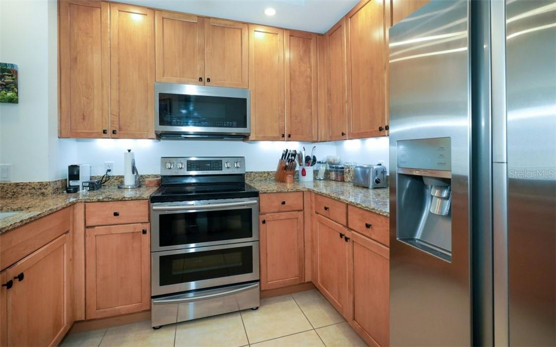 Plenty of counter space and storage - Condo for sale at 100 Central Ave #A304, Sarasota, FL 34236 - MLS Number is A4458873