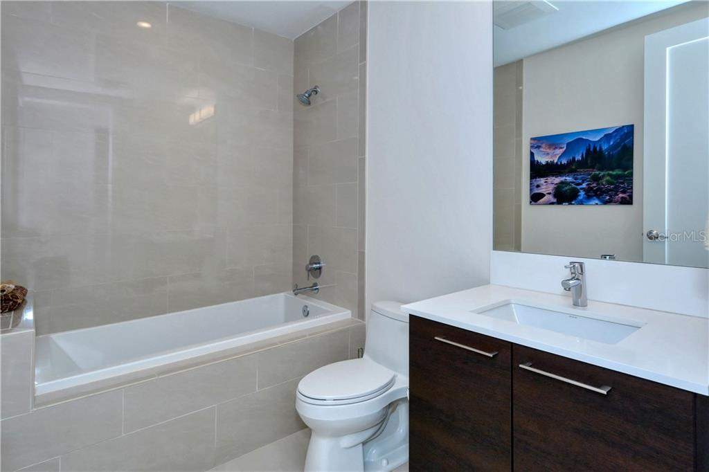 Bathroom #2 - Condo for sale at 1155 N Gulfstream Ave #507, Sarasota, FL 34236 - MLS Number is A4458926