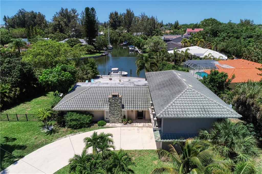 HOA Disclosure - Single Family Home for sale at 1225 Whitehall Pl, Sarasota, FL 34242 - MLS Number is A4460386