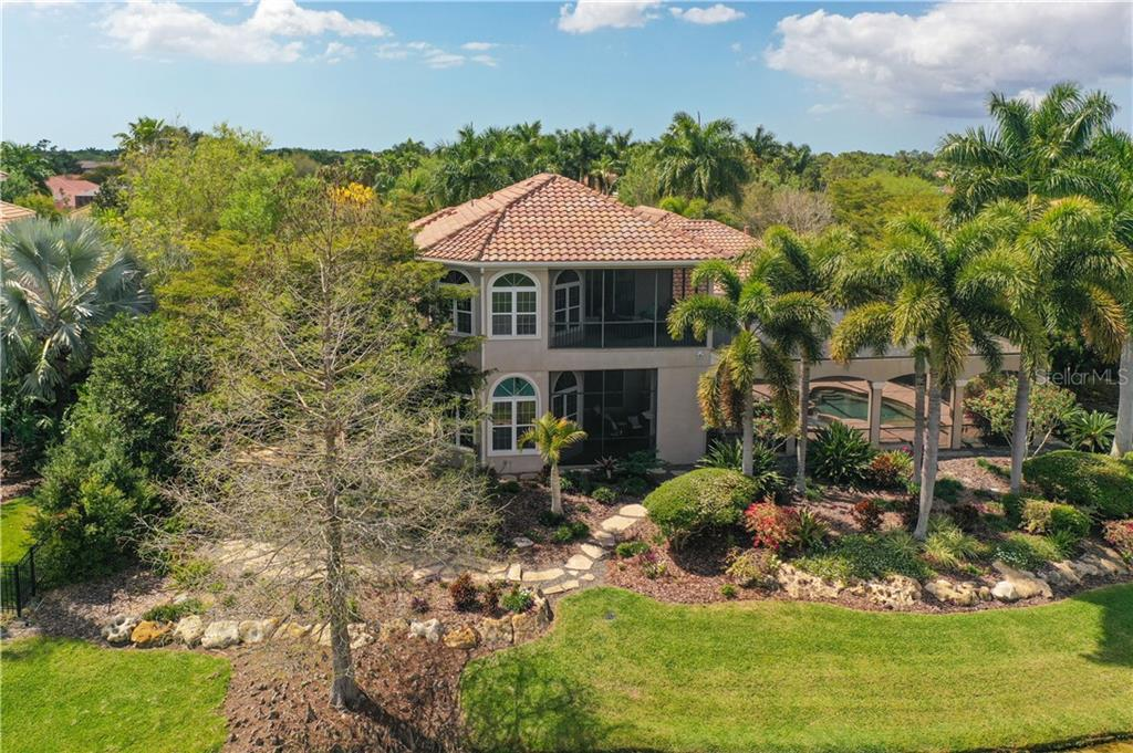 Single Family Home for sale at 7207 Pasadena Gln, Lakewood Ranch, FL 34202 - MLS Number is A4463346