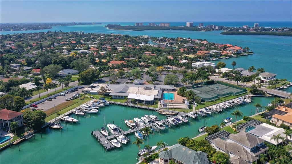 BIRD KEY YACHT CLUB - Single Family Home for sale at 464 E Royal Flamingo Dr, Sarasota, FL 34236 - MLS Number is A4464261