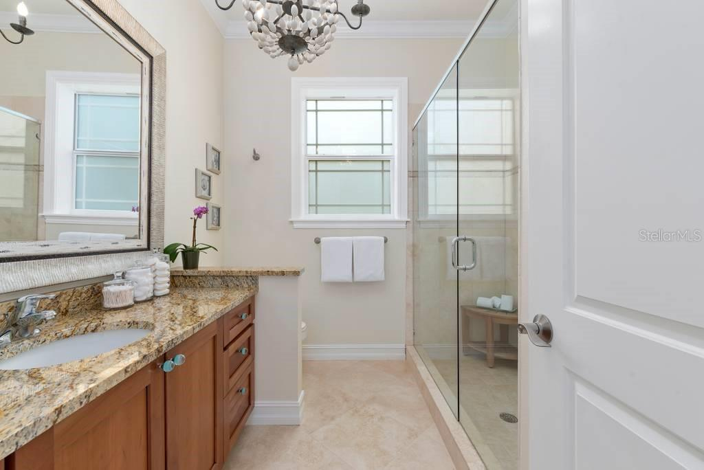 Master en suite bath - Single Family Home for sale at 605 N Point Dr, Holmes Beach, FL 34217 - MLS Number is A4469001