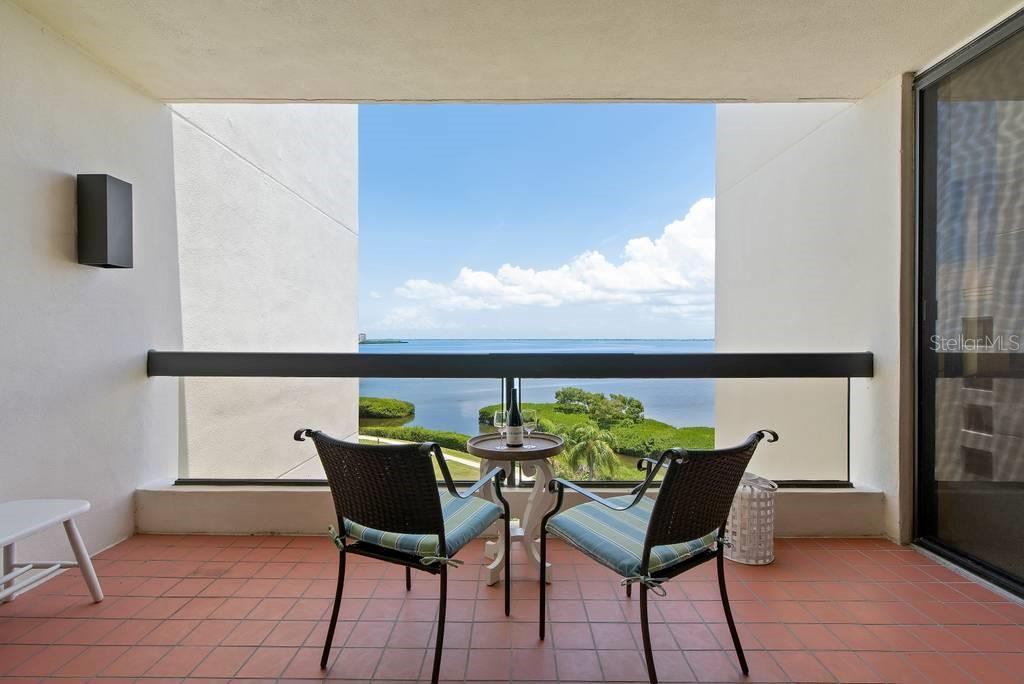 Let's dine outside tonight....and again tomorrow! - Condo for sale at 2016 Harbourside Dr #352, Longboat Key, FL 34228 - MLS Number is A4470767