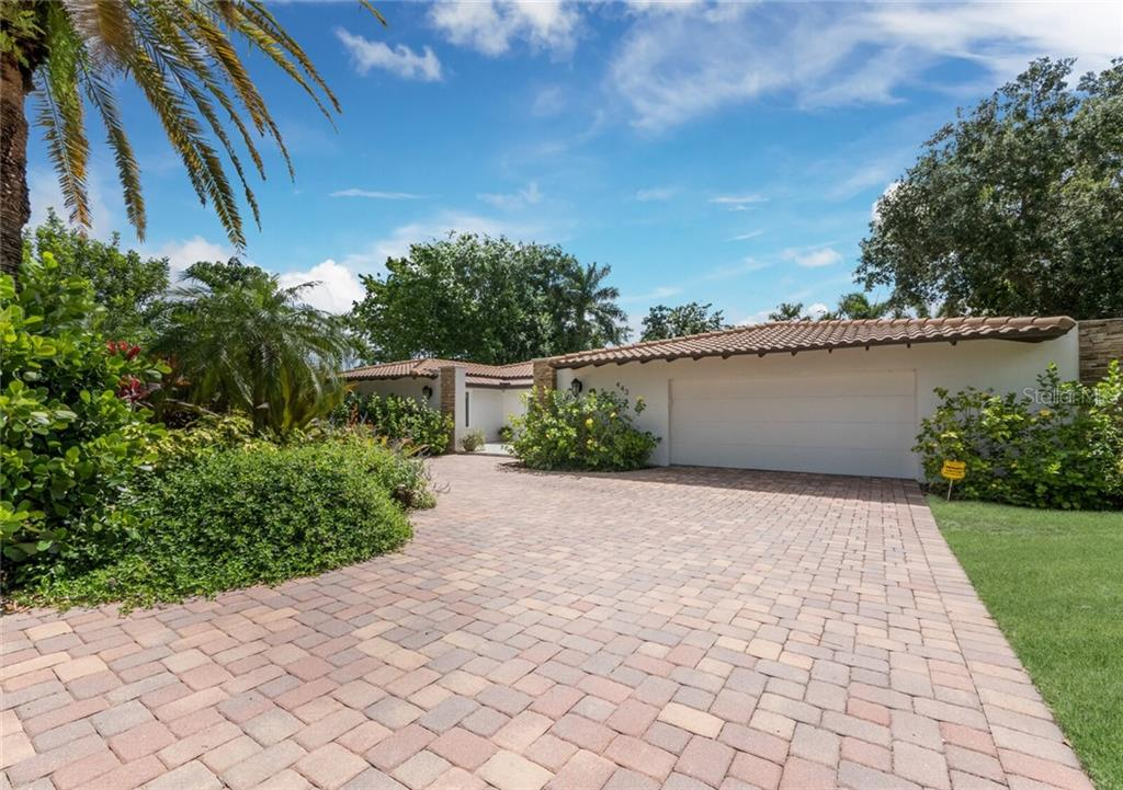 Single Family Home for sale at 443 Bird Key Dr, Sarasota, FL 34236 - MLS Number is A4473322
