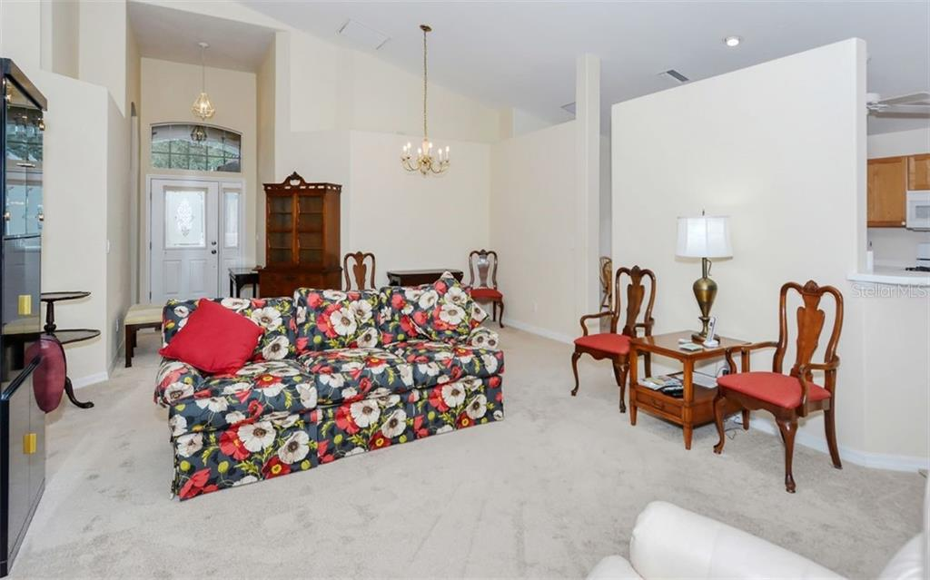 Single Family Home for sale at 5152 Highbury Cir, Sarasota, FL 34238 - MLS Number is A4473519