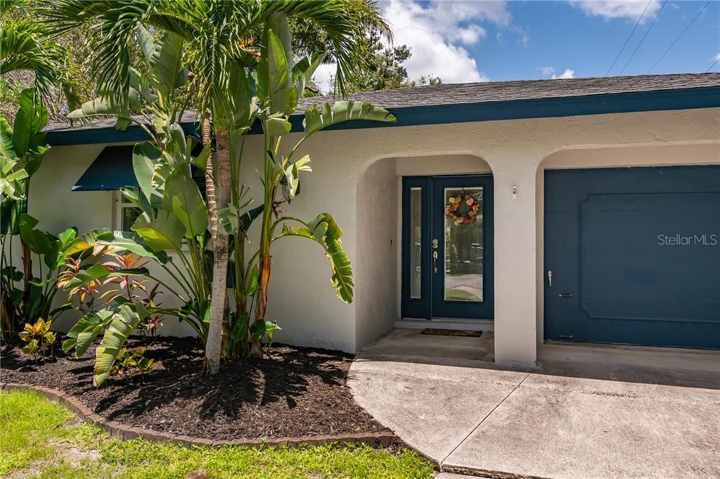 Single Family Home for sale at 1975 Wisteria St, Sarasota, FL 34239 - MLS Number is A4474003