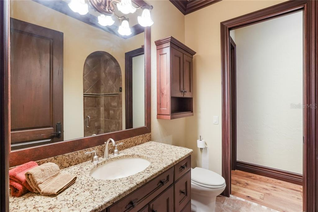 Upstairs guest bath. - Single Family Home for sale at 4925 Topsail Dr, Nokomis, FL 34275 - MLS Number is A4475116