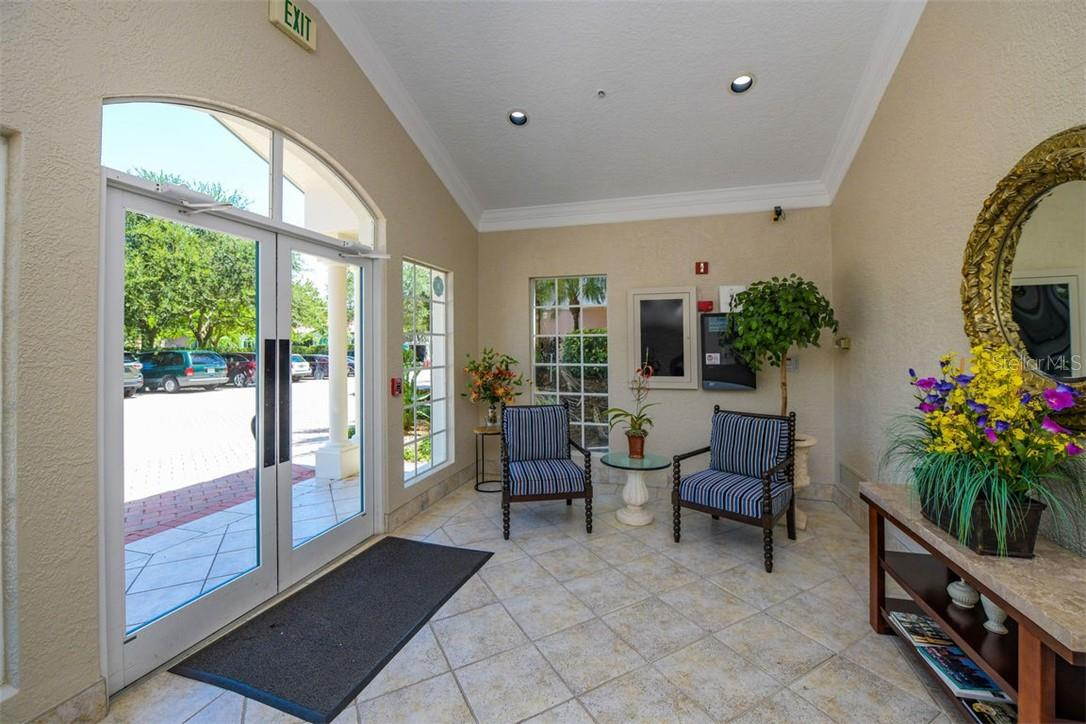 Condo for sale at 5450 Eagles Point Cir #102, Sarasota, FL 34231 - MLS Number is A4478724