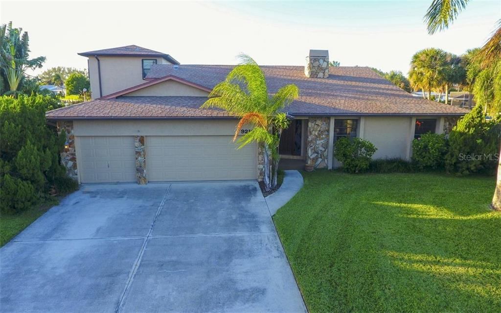 Front of Home - Single Family Home for sale at 9219 Bimini Dr, Bradenton, FL 34210 - MLS Number is A4483083