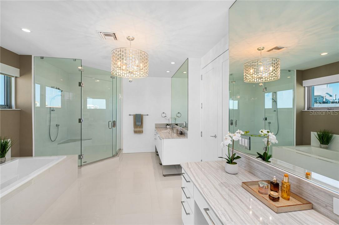 Master Bathroom - Condo for sale at 1155 N Gulfstream Ave #1802, Sarasota, FL 34236 - MLS Number is A4485046