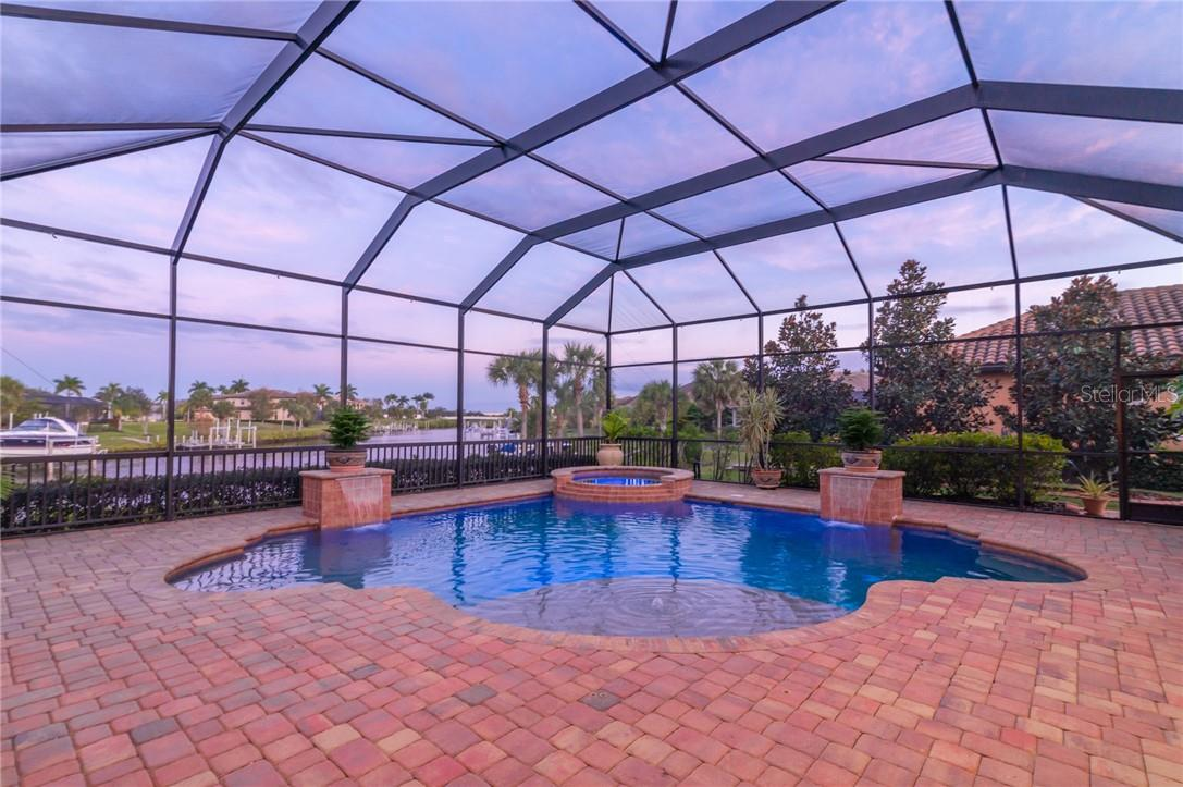 The pool and large lanai. - Single Family Home for sale at 11720 Rive Isle Run, Parrish, FL 34219 - MLS Number is A4486302