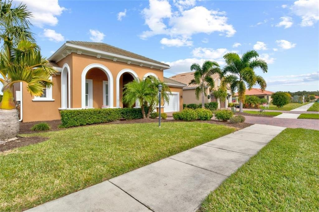 Single Family Home for sale at 10315 Eastwood Dr, Bradenton, FL 34211 - MLS Number is A4486583