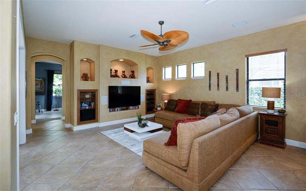 Single Family Home for sale at 3757 Eagle Hammock Dr, Sarasota, FL 34240 - MLS Number is A4488823