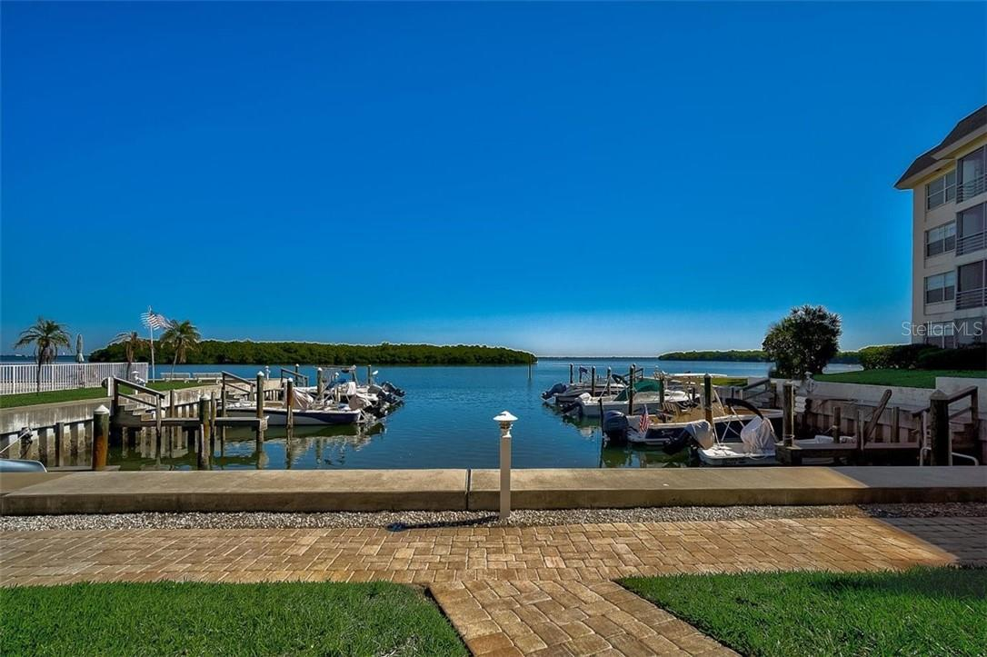 577 Sutton Place Longboat Key Florida 34228 | Boat Basin - Condo for sale at 577 Sutton Pl #T-25, Longboat Key, FL 34228 - MLS Number is A4492432