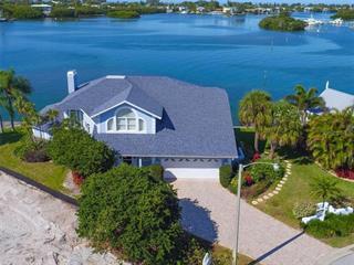 733 Key Royale Dr, Holmes Beach, FL 34217