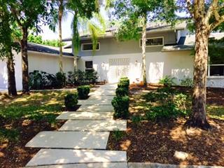 332 Whispering Oaks Ct, Sarasota, FL 34232