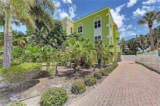 3603 4th Ave, Holmes Beach, FL 34217