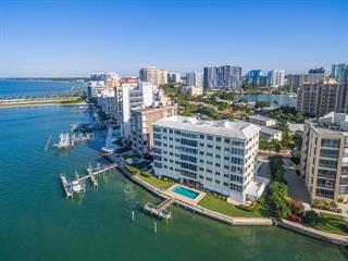 350 Golden Gate Pt #32, Sarasota, FL 34236