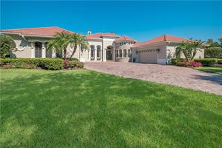 3542 Founders Club Dr, Sarasota, FL 34240