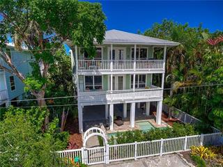 2502 Avenue B, Bradenton Beach, FL 34217