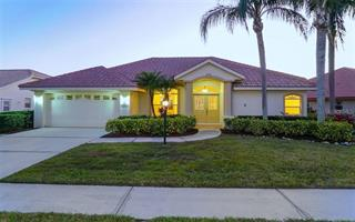 5893 Carriage Dr, Sarasota, FL 34243