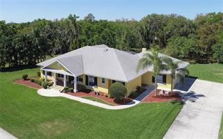 6106 Glen Abbey Ln, Bradenton, FL 34202