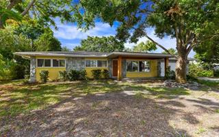 5717 7th Avenue Dr W, Bradenton, FL 34209