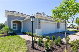 6911 Costa Bella Dr, Bradenton, FL 34209