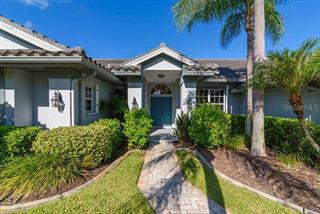 8467 Cypress Hollow Dr, Sarasota, FL 34238